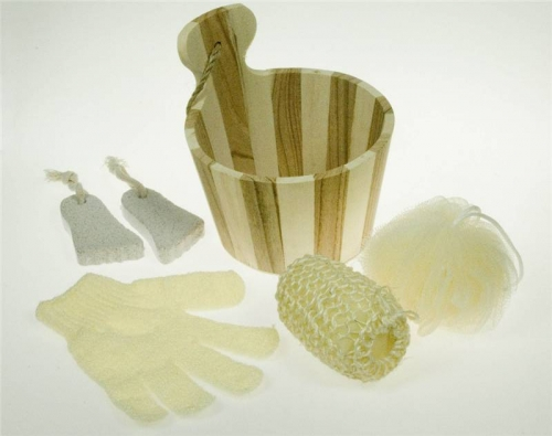 5pcs Bath Gift Set in Wooden Bucket